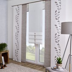 Curtain with structure, which, thanks to its material, also creates a practical blackout . Textured curtain with a material that also has a practical blackout effect. Sliding Curtains, Curtains With Blinds, Panel Curtains, Curtain Texture, Curtain Fabric, Curtain Material, Home Decor Styles, Diy Home Decor, Modern Window Design