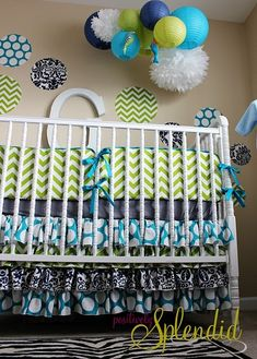 Green and navy blue baby bedding by young #decor #infant
