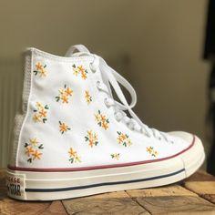 Mode Converse, Diy Converse, Converse Chuck, Converse Shoes Outfit, Swag Shoes, Custom Shoes, Custom Converse Shoes, Aesthetic Shoes, Painted Shoes