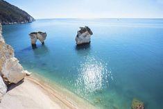Italiens Region Apulien besticht mit stahlblauem Wasser und langen Sandstränden