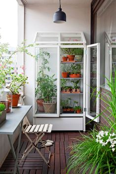 AD-Magnificent-Gardens-You-Can-Have-On-Your-Balcony-10