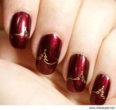 Christmas is coming - Beautiful nails idea - http://LikeaLady.net