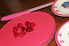 eat all the raspberry cake! duzosole.blogspot.com