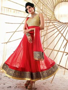 #Gorgeous #Anarkali via http://www.FreeHotFashion.com/bollywood-fashion-holiday-movie-inspired-dress-collection/