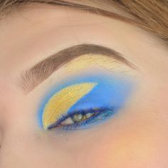 I saw post about Klara cosmetics and I really wanted to get their Malibu palette, lo and behold I randomly find it the next… I Saw, Eye Makeup, Palette, How To Get, Cosmetics, Eyes, Creative, Instagram, Makeup Eyes