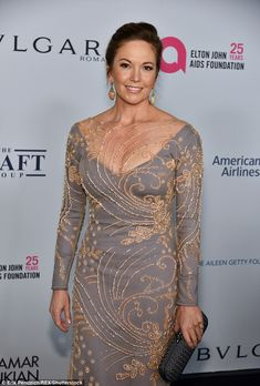 She has been working in Hollywood for nearly four decades. And Diane Lane proved on Tuesday she is only getting better with the decades as she arrived to Elton John AIDS Foundation Gala. Popular Actresses, Female Actresses, Diane Lane Actress, Pin Up Girl Vintage, Jennifer Connelly, Jennifer Garner, Elton John Aids Foundation, Great Women, Gorgeous Women