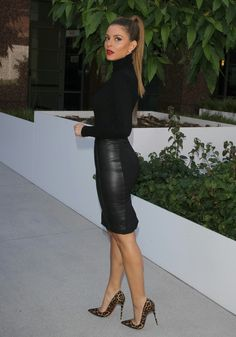 Turtle neck sweater, Leather pencil skirt and Leopard print heels. Beauty on High Heels #Fashion