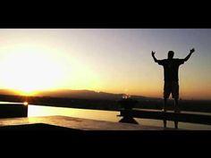 Chamillionaire - OVERNIGHT (Official Video) - The guitar riff in this video needs a doctor cuz it's SIIIIIIIIIICK!!!!!!!