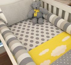 Cinza, branco e amarelo - Rian tricot Baby Room Diy, Baby Bedroom, Baby Boy Rooms, Baby Boy Nurseries, Kids Bedroom, Cot Sets, Baby Lulu, Baby Olivia, Baby Sheets