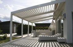 verstellbare Alulamellen schützen vor unerwünschter Sonnenstrahlung