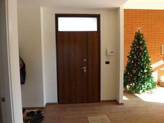 Porte blindate Sesto Calende | Non Solo Serramenti Tall Cabinet Storage, Furniture, Home Decor, Chop Saw, Houses, Puertas, Decoration Home, Room Decor, Home Furnishings