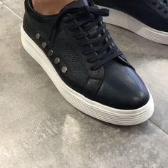 Collection: Fall – Winter 20 Product: Laced Leather Sneakers Color code: Black Shoes Material: Leather Floor Height: 4cm Shoe Sole: Casual Eva Available Size: 40-41-42-43-44 Package Include: Shoes Only