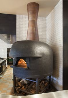 Pizza Restaurant, Outdoor Restaurant, Pizzeria Design, Restaurant Design, Wood Oven, Wood Fired Oven, Wood Fired Pizza, Small Pizza, Ovens