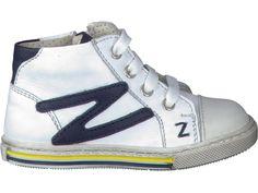 Koop uw favoriete paar schoenen type EERSTE STAPJES van  bij Schoenen Verduyn. Eenvoudig online kopen, kwaliteitsgarantie en snelle levering.