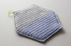 Lutter Idyl: Crochet Geometric Potholders with neon strap - free pattern