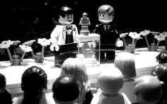 Si avvicina la tanto attesa notte delle statuette d'oro: Alex Eylar, un ragazzo di Oakland, coi mattoncini danesi ha ricostruito (e magistralmente fotografato) le scene cult delle pellicole premiate, nominate o incredibilmente snobbate dall'Academy Award nella storia del cinema, dagli anni '30 fino ai nostri giorni…