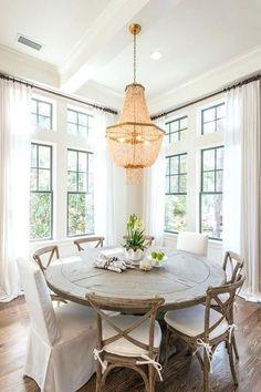 Adorable 37 Popular Coastal Decoration Ideas For Dining Room