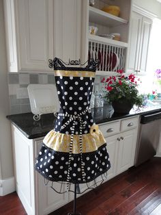 4RetroSisters Ellie Womens Full Apron - Butter Yellow Modern Retro -. $32.95, via Etsy.