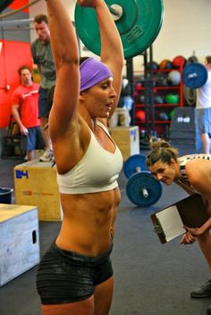 This woman is my inspiration! Her body is unbelievable and her blog is hysterical!     CrossFit -- Juli Bauer aka PaleOMG