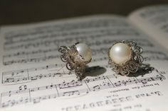 Pearl Art Deco Filigree Earrings modern vintage post by YournNonce, $12.99 #vintagewedding #gatsby