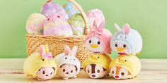 This year's Japan Easter Tsum Tsum collection is here, however, it's no ordinary set. the collection is reversible! It includes six adorable Tsum Tsums Disney Fan, Cute Disney, Disney Parks, Disney Pixar, Disney Rides, Disney Toys, Disney Stuff, Tsum Tsum Characters, Biscuit