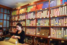interieur de la boutique de la conserverie de Lisbonne Rue Pietonne, Menu, Boutique, City, Home Decor, Travel, Lisbon, Portugal Trip, Sicily