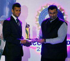 Ishwar Pandey Receives Award