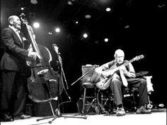 おはようございます。 今日12/10はジム・ホールの命日。 今朝の一曲は「枯葉」をジム・ホールとロン・カーターのデュオで。ギターとベースのデュオという一見地味な組み合わせですが、緊張感と躍動感があって、つい聴き入ってしまいます。 先日12/4はジム・ホールの誕生日で、ビル・エヴァンスとのデュオ演奏を選曲しましたが、ジム・ホールはインタープレイでいい味を出しますねー