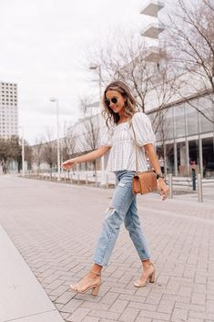 Summer Outfits For Moms, Casual Outfits For Moms, Oufits Casual, Cute Outfits With Jeans, Mom Outfits, Fashion Outfits, Summer Outfit With Jeans, Womens Jeans Outfits, Casual Jean Outfits