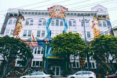 When entering San Francisco, be prepared to say goodbye to the Hollywood glamour, Botox beach babes and endless sunshine you'll find in the city's Californian c Lombard Street, Amazing Street Art, San Francisco Travel, California Dreamin', Bay Area, Night Life, Places To See, Weekend Vacations, Vacation Ideas