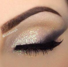 Lashes: @houseoflashes 'Bohemian Princess' Eye Shadow: @anastasiabeverlyhills @urbandecaycosmetics Glitter: No Name