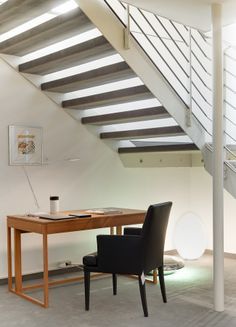 Furniture, upholstery and living accessoires by Neue Wiener Werkstaette