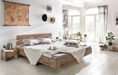 Der hochwertig verarbeitete Bettrahmen besteht aus massiver Akazie, wodurch das Bett sehr stabil und langlebig ist. Das verwendete Material verleiht dem Bett zudem eine sehr natürliche Note. Das Doppelbett Hampden bereichert somit jedes Schlafzimmer sowohl mit hoher Funktionalität als auch einem eindrucksvollen Design. #bett #schlafzimmer #bedroom #holzbett #bettbauen #akazie #schlafzimmerideen #woodkings #echtholz Furniture, Bedroom Sets, Home, Mattress Dimensions, Furniture Shop, Super King Bed Frame, Bed, Floating Bed, Superking Bed