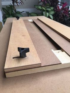 Adjustable Dado Jig From Scrap Wood