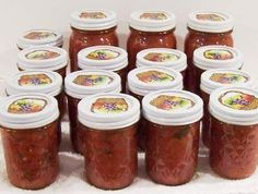 How to make and can homemade salsa with cilantro, from fresh tomatoes - Easily! With Step-by-step Directions, Photos, Ingredients, Recipe and Costs I am going need this! Canning Homemade Salsa, Canning Salsa, Canning Recipes, Easy Canned Salsa Recipe, Canning Soup, Canning Tips, Canning Tomatoes, Gazpacho, Food Storage