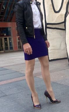 How To Wear Skirts Casually Tights Ideas For 2019 Guys In Skirts, Boys Wearing Skirts, Men Wearing Dresses, New Mens Fashion, Men's Fashion, Androgynous Fashion, Androgyny, Best Leather Jackets, Men In Heels