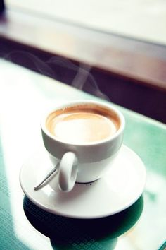 Confessions Of A Coffee Addict Coffee Is Life, I Love Coffee, Coffee Break, Morning Coffee, Coffee Cafe, Espresso Coffee, Coffee Shop, Chocolates, Coffee Business