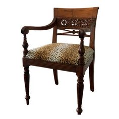 Set van twee stoelen - mooie houtsnijwerk details Ivm verhuizing asap ophalen.