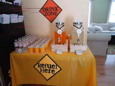 Drink station at a Construction Party – Tables and desk ideas Construction Birthday Parties, Construction Party, Party Drinks Alcohol, Alcoholic Drinks, Baby Shower Drinks, Birthday Drinks, Garden Wedding Decorations, Drink Table, Drink Dispenser