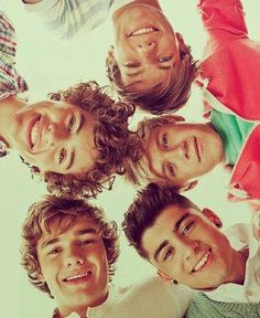 One direction Liam Payne Niall Horan Louis Tomilnoson and harry styles and zane Mailk One Direction Fotos, Four One Direction, One Direction Images, One Direction Wallpaper, One Direction Photoshoot, One Direction Posters, Direction Quotes, Liam Payne, Louis Tomlinson