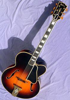 1939 Gibson L-5P Guitar Musical Instrument, Jazz Guitar, Cool Electric Guitars, Archtop Guitar, Gibson Guitars, Vintage Guitars, Cool Stuff, Bass, Classic