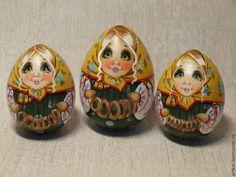 """Купить Яйцо-матрешка """"Бараночки"""" - зеленый, охра, яйцо, яйцо-матрешка, матрешка, Авторская матрешка"""