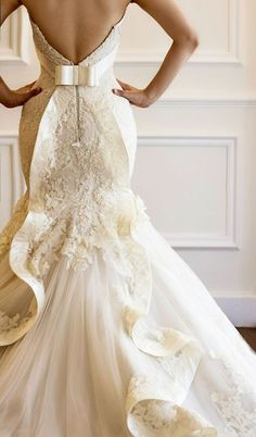 Gorgeous Ivory/White Wedding Dress.