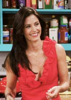 One of my favourite looks of hers. And in general. Damn Monica Geller