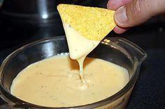 La meilleure recette de Sauce au fromage pour nachos! L'essayer, c'est l'adopter! 4.7/5 (14 votes), 46 Commentaires. Ingrédients: 1 cs de beurre; 1 cs rase de farine; 120 ml de lait; 4 tranches de fromage fondu (Cheddar de préfèrence); poivre du moulin.