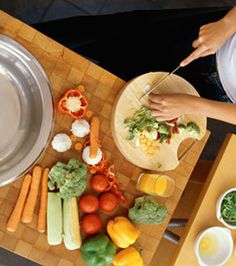 Slideshow: Cooking for One- Great tips! Vegetarian Cooking, Healthy Cooking, Healthy Recipes, Healthy Food, Nutrition World, Holistic Nutrition, Cooking For One, Cooking Tips, Alkaline Foods