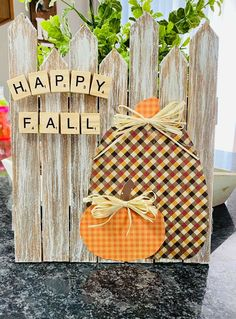 Fall Wood Crafts, Halloween Wood Crafts, Autumn Crafts, Fall Halloween, Holiday Crafts For Kids, Thanksgiving Crafts, September Crafts, Fall Wood Signs, Arte Country
