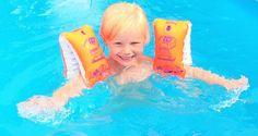 Im Schwimmkurs für Kinder ab 4,5 Jahren wird der Umgang und die Sicherheit im und mit Wasser geübt. Schwimmen lernen macht nicht nur Spaß, es stärkt auch das Selbstbewusstsein und hält fit und gesund. In meinen Schwimmkursen in Glandorf, angrenzend an den Kreis Warendorf, wird Ihrem Kind eine sichere Schwimmbasis beigebracht.