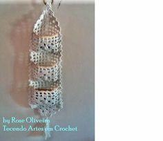 FREE CHART! Crocheted hanging wall pockets