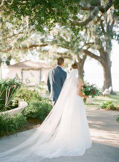 That long veil! http://www.stylemepretty.com/2015/04/28/red-french-blue-al-fresco-estate-wedding/ | Photography: Justin DeMutiis - http://justindemutiisphotography.com/